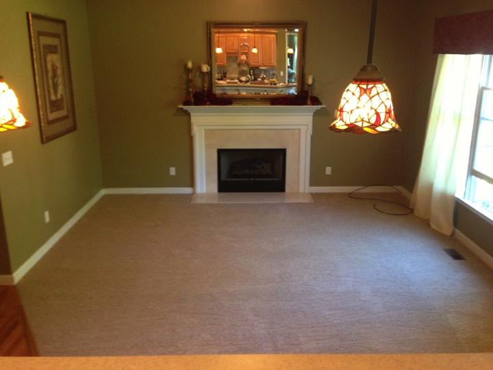 Carpet Install Pics 2013.078